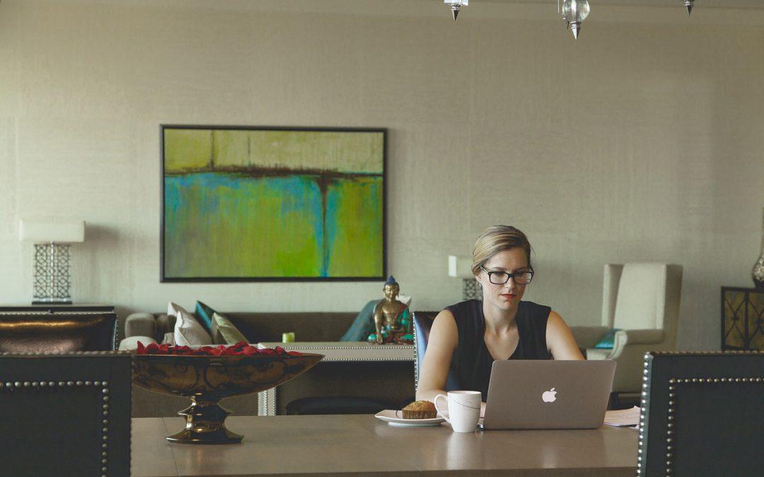 Lavori redditizi da fare a casa: le 9 professioni più interessanti