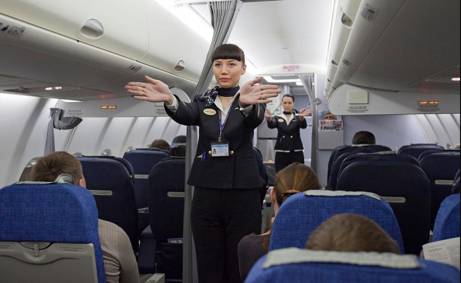 Come diventare hostess? Il percorso giusto per te che ami viaggiare
